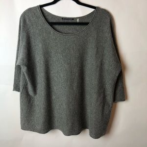 Elie Tahari Grey Thin Sweater